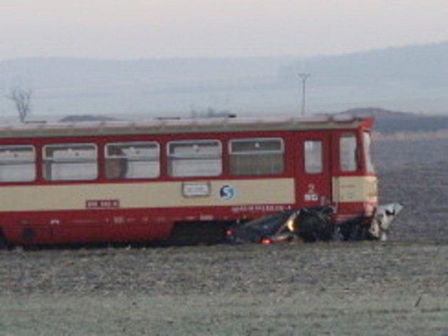 Smrtelná nehoda na přejezdu v Běrunicích.