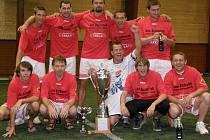 Mužstvo s názvem Sebranka má obrovský důvod k radosti. Stalo se totiž vítězem v další sezoně oblíbené Milovické ligy malého fotbalu