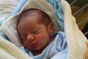BUDOUCÍ HOKEJISTA LÁDÍK. LADISLAV KONVALINKA se narodil 9. května 2017. Maminka Lenka a táta Ladislav se dočkali druhého synka v 8.25 hodin.  Na brášku, který vážil 2 780 g a měřil 48 cm, se doma v Nymburce těší  Marek (5), který ho naučí hokej i fotbal.