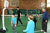 Nymburští basketbalisté sportovali s dětmi