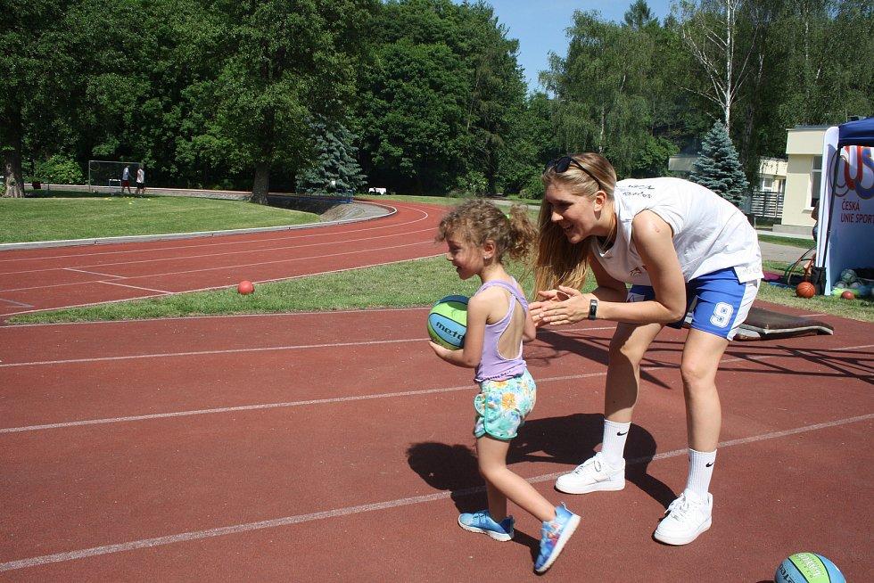 V Nymburce se konal na atletickém stadionu Sportovního centra Dětský sportovní den.