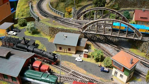 Výstava modelového kolejiště bude v Pečkách otevřena začátkem září.