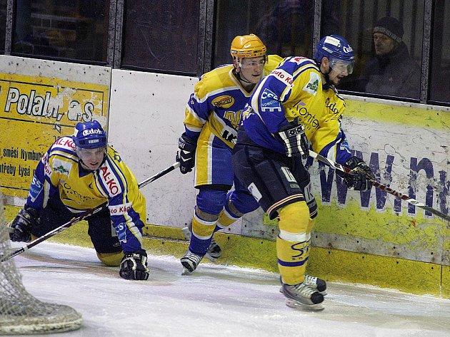 Z hokejového utkání play off druhé ligy Nymburk - Písek (0:5)