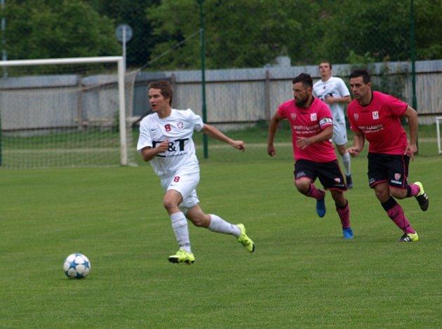 Z fotbalového utkání I.A třídy Bohemia Poděbrady - Horky nad Jizerou (2:4)