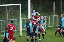 Z fotbalového utkání krajského přeboru Ostrá - Suchol (2:1)