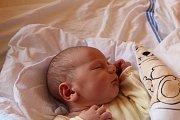 OLIVER JE PRVNÍ. OLIVER ČERNICKÝ přišel na svět 14. dubna 2017 v 9.42 hodin. Jeho míry byly 3 790 g a 52 cm. S maminkou Lucií a tátou Tomášem bude bydlet v Milovicích.