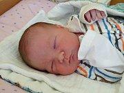 DANIEL KOTVAS se narodil 9. ledna 2018 v 9.28 hodin s výškou 50 cm a váhou 3 720 g. Bydlí v Milovicích s rodiči Petrem a Nikolou a sestřičkami Nikolkou (3) a Sofinkou (3).