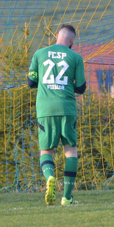 Z utkání fotbalového okresního přeboru Olešná - Zavidov B (3:3, na penalty 5:4)
