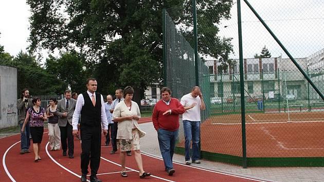 Slavnostní otevření sportoviště Na Valech také pro veřejnost.