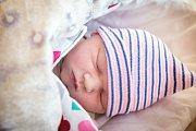 KRISTÝNA CHRAMOSTOVÁ se narodila 12. prosince 2018 ve 14.37 hodin s délkou 48 cm a váhou 3 400g. Maminka Iveta a tatínek Jirka se na svou první holčičku předem těšili a společně odjeli domů do Milovic.