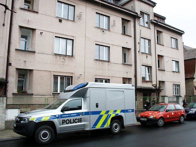 Z balkonu tohoto domu v Purkyňově ulici vypadl ve středu ráno senior.