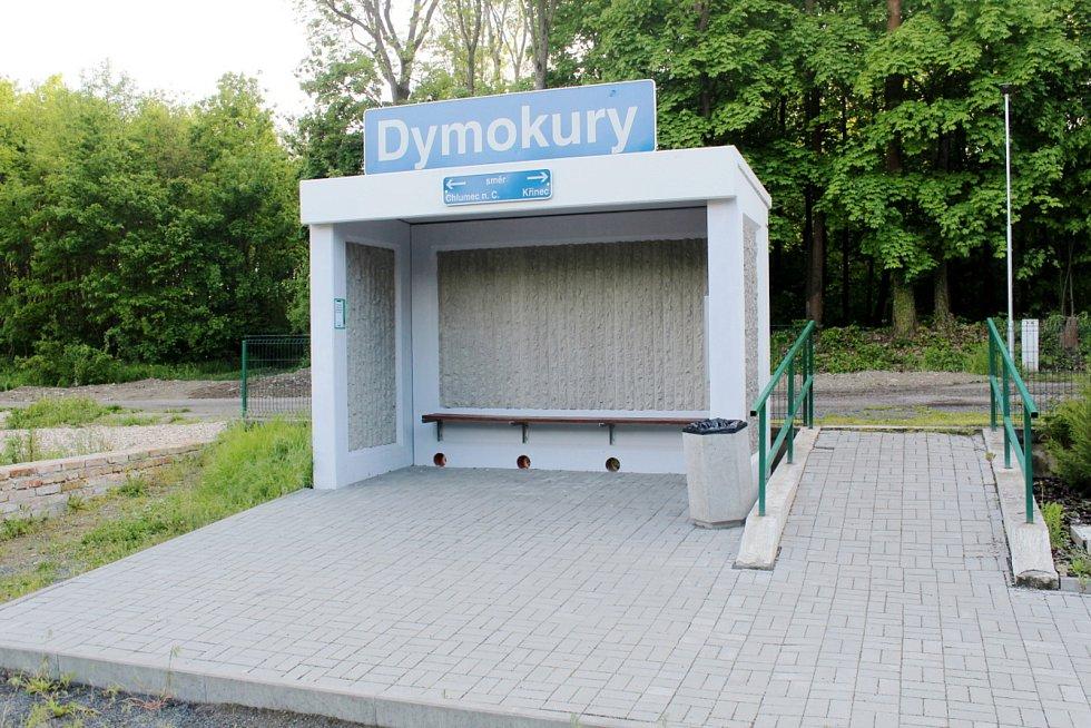 Zastávka v Dymokurech.