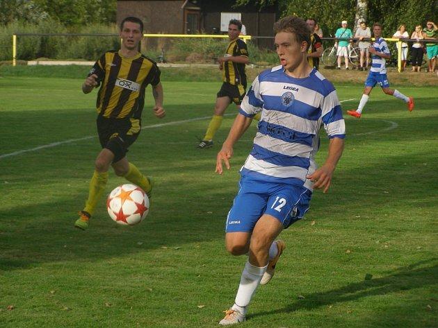 Z divizního fotbalového utkání Litol - Libiš (3:1)