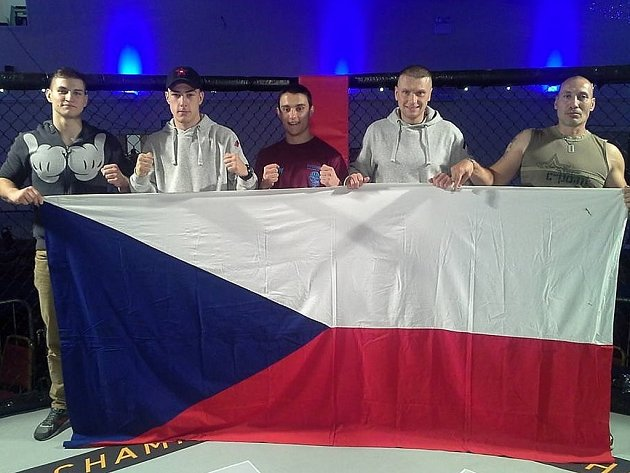 BORCI KLUBU JUNIOR MMA NYMBURK bojovali na turnaji Rise of Champions  v Londýně