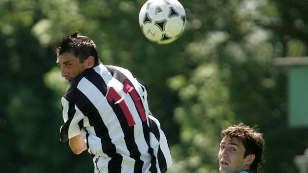 Z fotbalového utkání I.B třídy Milovice - Krnsko (4:1)