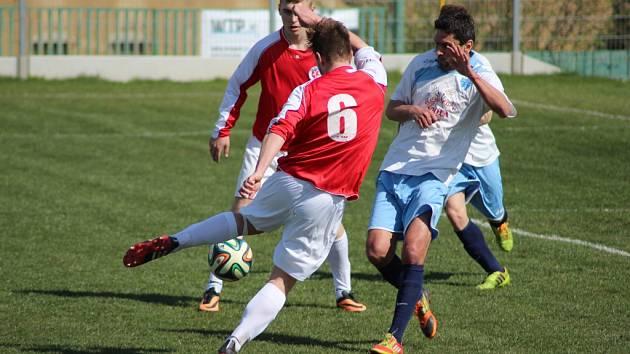 Z fotbalového utkání krajské I.A třídy Vykáň - Kunice (4:1)