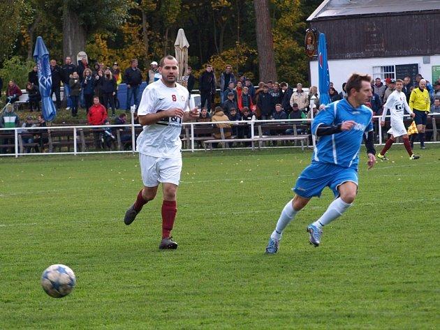 Z fotbalového utkání krajské I.A třídy Bohemia Poděbrady - Sokoleč (0:2)