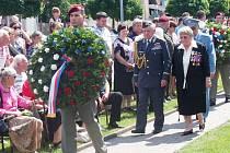 Příběh legendární výsadkové operační skupiny Silver A znovu ožil v neděli v Senicích. Pietní a vzpomínková slavnost Pocta statečným připomněla 75. výročí úspěšného působení skupiny v okupované vlasti, ale bohužel i její tragický konec.