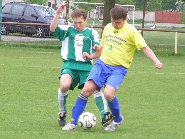Z fotbalového utkání I.A třídy Sokoleč - Zásmuky (5:0)