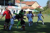Z fotbalového utkání okresního přeboru Libice nad Cidlinou - Ostrá B (2:2)