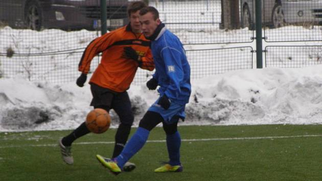 Z utkání kolínského fotbalového turnaje Polaban Nymburk - Kolín U19 (3:5)