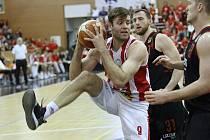 Z basketbalového utkání NBL Pardubice - Nymburk (61:85)