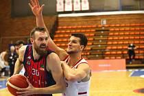 Z basketbalového utkání Kooperativa NBL Nymburk - Brno (98:82)