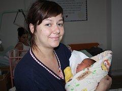 KULÍŠEK MIKULÁŠ. Mikuláš ČERŇÁK bude slavit narozeniny 24. listopadu. Počítat je bude od roku  2015, kdy se  v 8.21 hodin narodil. Klouček vážil 3 620 g a měřil 51 cm. Je zatím prvním miminkem maminky Jany a táty Vaška z Nymburka.