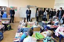I v Poděbradech začal nový školní rok. S výjimkou ZŠ TGM, kde se kvůli stavebním úpravám žáci dostanou do lavic o týden později.
