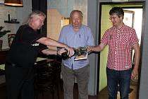 Slavnostní křest knihy Český volejbalový debl se uskutečnil v restauraci Eliška.