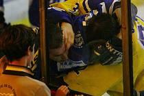 Pořádným fiaskem skončila generálka nymburských druholigových hokejistů Nymburka s rivalem z Kolína. Týmy neodehrály ani šestnáct minut a rozhodčí zápas kvůli velké bitce ukončil