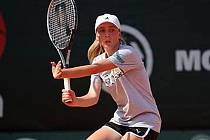 ÚSPĚCH. Odchovankyně poděbradského tenisového klubu Anna Vrbenská skončila ve velké konkurenci na tenisovém turnaji ve slovenské Trnavě na druhém místě