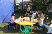 Dětský domov slavil ve středu na své zahradě.
