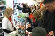 Lidé přicházejí s reklamacemi na některé zboží