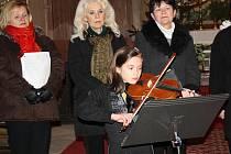 V kostomlatském kostele se konal tříkrálový koncert nymburského Hlaholu. Představila se Ludmila Pergelová.