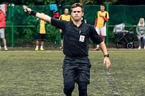 Mladý fotbalový rozhodčí Matěj Kubečka z Nymburka