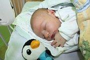 HONZÍK BYL PŘEKVAPENÍ. Jan Kemr se narodil 7. října 2013 ve 4.24 hodin mamince Evě a tátovi Janovi z Nymburka. Vážil 3 730 g a měřil 50 cm. Rodiče si dopředu kluka nenechali prozradit.