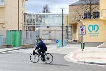 Dnešní pohled na hlavní bránu nemocnice.