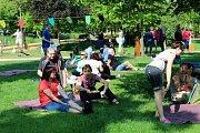 O víkendu v Poděbradech zahájili 110. lázeňskou sezónu snídaní v trávě, koncerty, výstavou a dalšími akcemi.