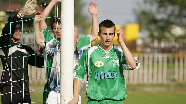 Z utkání fotbalového krajského přeboru Polaban Nymburk - Beroun (1:3)
