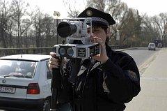 Mobilní radar na měření rychlosti mají poděbradští městští strážníci k dispozici už tři roky.