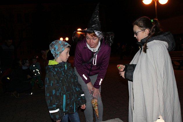 Známá akce Nymburk plný strašidel přilákala stovky zájemců projít se trochu jinak městem.