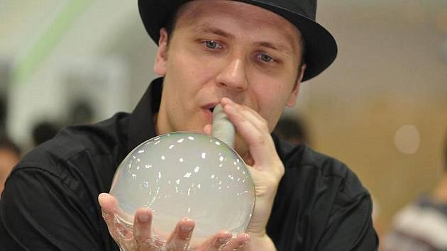 Bublinář Matěj Kodeš.