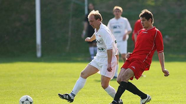 Z fotbalového utkání I.A třídy Trnavan Rožďalovice - Kutná Hora (2:2)
