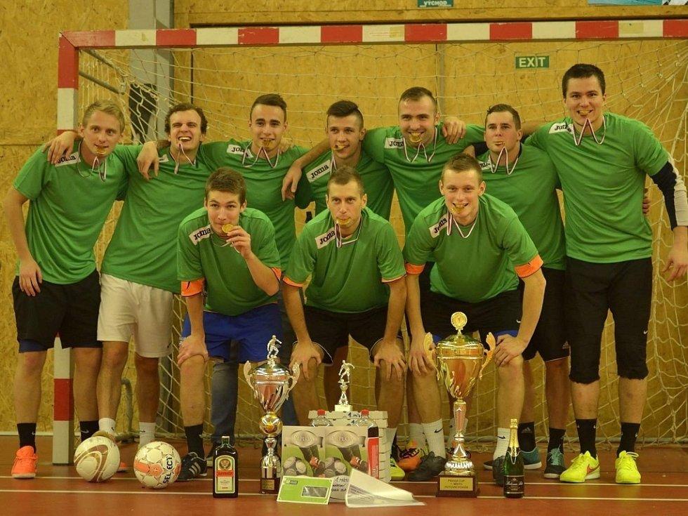 VÍTĚZNÝ TÝM. Mordor team vyhrál turnaj v malé kopané, který nese název Praha cup