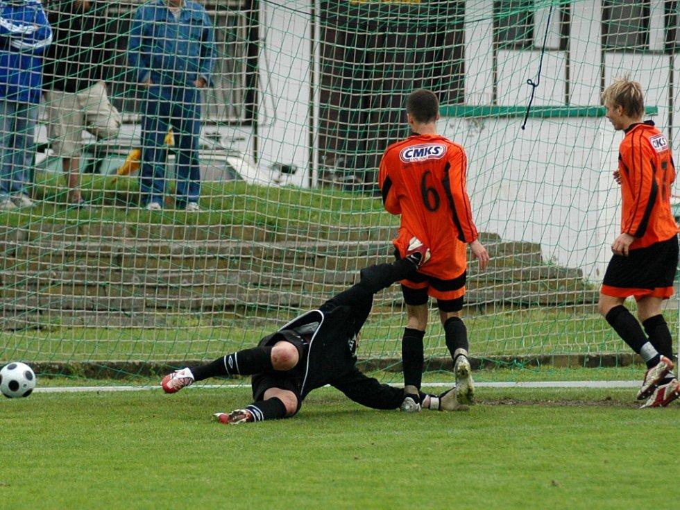 Ze zápasu krajského přeboru Polaban Nymburk - Benešov (2:4)