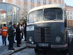 Oslavy 85 let od prvního výjezdu autobusové linky Praha - Poděbrady