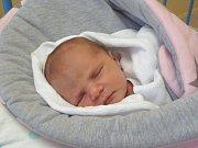 JULIE Troblová se narodila ve čtvrtek 30. listopadu 2017 ve 22.34 hodin s mírou 50 cm a váhou 3 230 g. Rodiče Michal a Lenka si prvorozenou, vytouženou holčičku odvezli domů do Nehvizd.