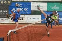 Nohejbalisté Čelákovic porazili na svých kurtech Žatec