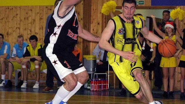 Jednoznačně nejlepším basketbalistou Sadské byl Lyle.
